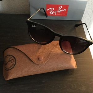 Ray-Ban ERIKA collection Black/gold frame NEW